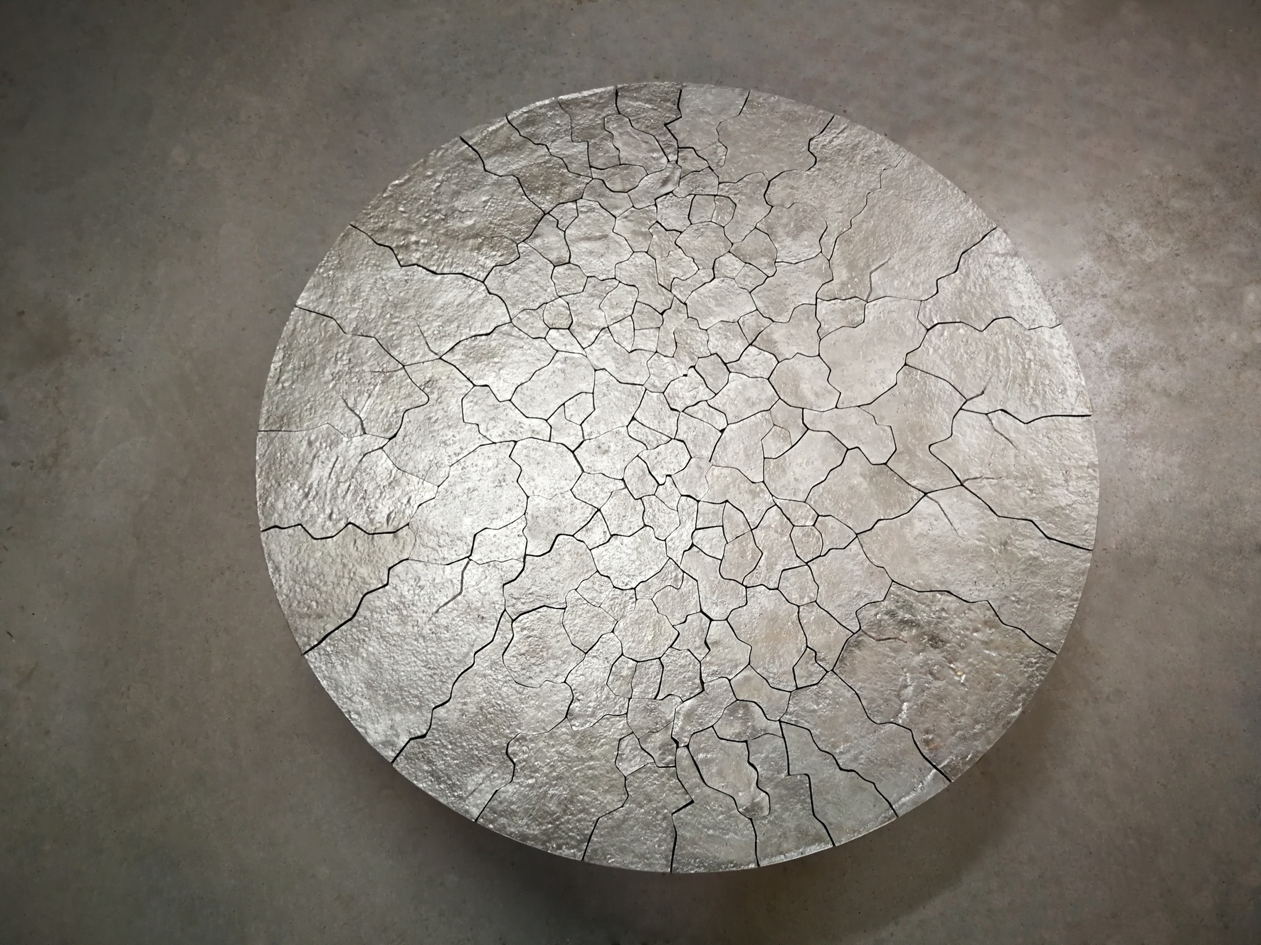 Moon low table
